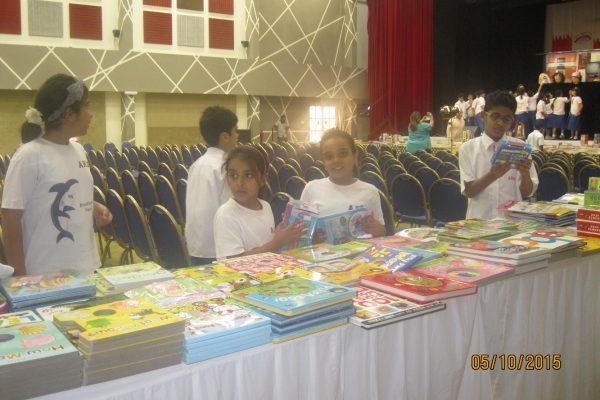AHIS-BookFair2015-8