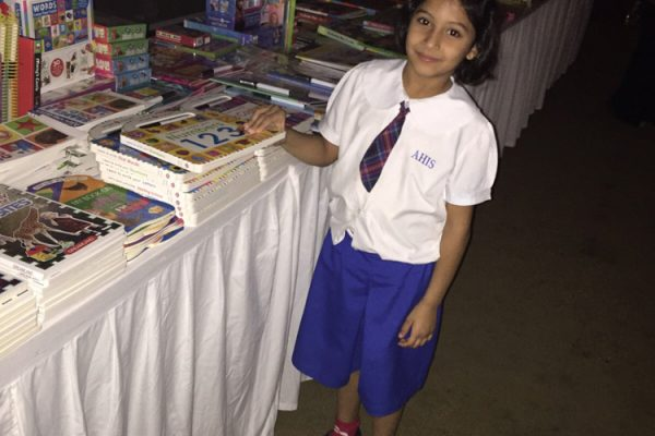 AHIS-BookFair2015-9